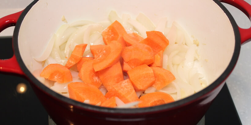 馬鈴薯燉肉炒紅蘿蔔圖